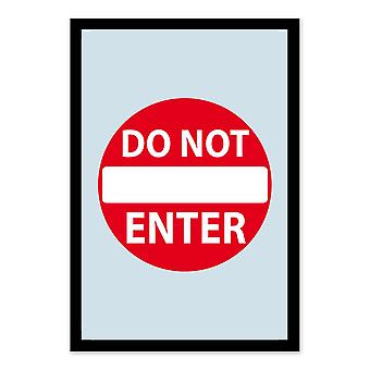 Caution, Do Not Enter  Wandspiegel mit schwarzer Kunststoffrahmung in Holzoptik.