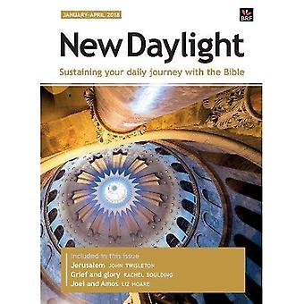 New Daylight Deluxe edition� January - April 2018: Sustaining your daily journey with the Bible (New Daylight Deluxe)