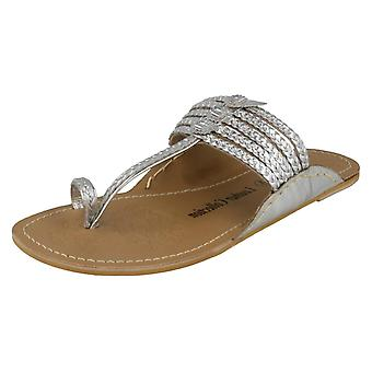 Ladies Leather Collection Flat Toeloop Braided Sandals F00077