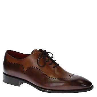 Handmade men's oxfords shoes in brown leather