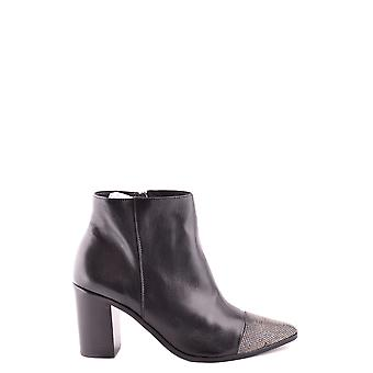 Protection women's MCBI364008O black leather ankle boots