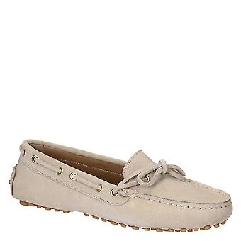Women's driving moccasins in sand color suede leather