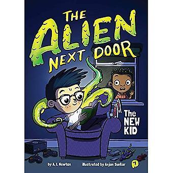 The Alien Next Door 1: The New Kid (Alien Next Door)