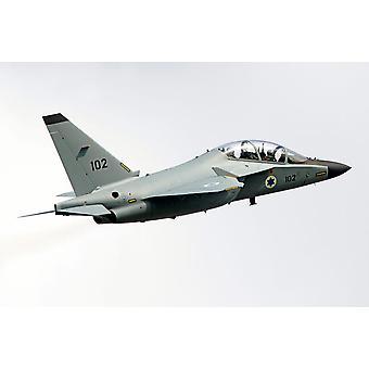Alenia Aermacchi M-346 Master træner fly af det israelske luftvåben plakat Print af Luca NicolottiStocktrek billeder