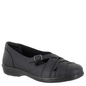 Easy Street Women's Sync Loafer Flat