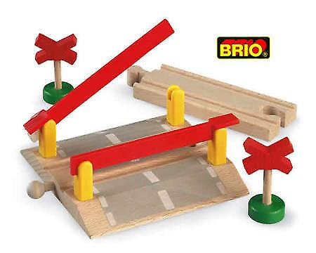 BRIO Level Crossing 33388