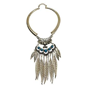 Nice boho chic statement necklace with feathers