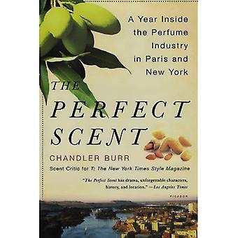 Den perfekta doften: Ett år släpper parfymindustrin i Paris och New York