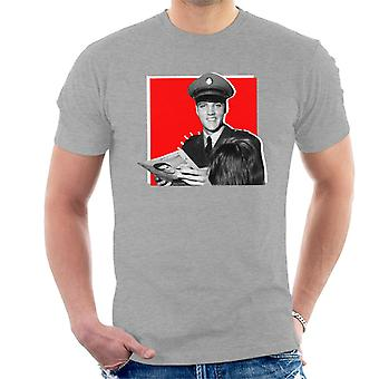 Elvis Presley Signing Autographs Army Uniform Pop Art Men's T-Shirt