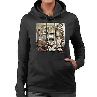 Paul Weller With Record Collection Women's Hooded Sweatshirt