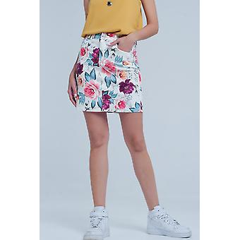 White mini skirt with floral print