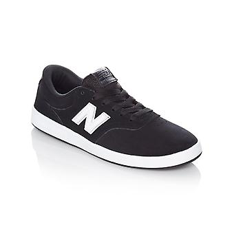 New Balance Black-White 424 Shoe