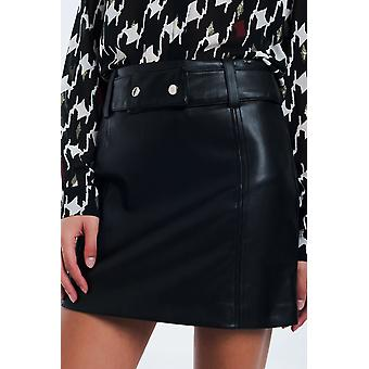 Mini black skirt in faux leather