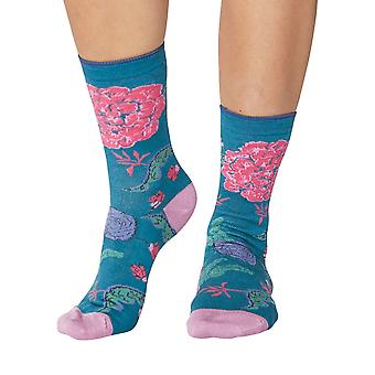 Grand floral women's soft bamboo crew socks in kingfisher | By Thought