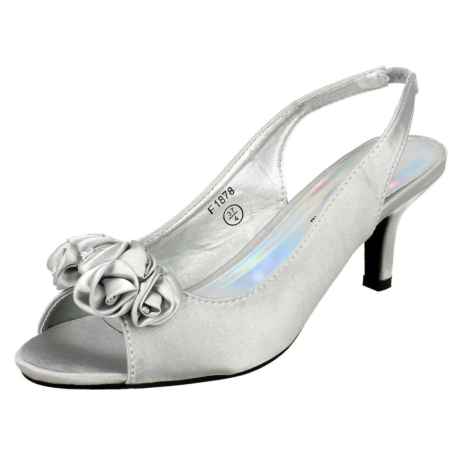 Ladies in occasione Spot indossare sandali F1878