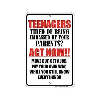 Teenagere præget Metal tegn