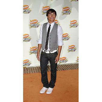 Zac Efron At Arrivals For 2007 NickelodeonS Kids Choice Awards Ucla Pauley Pavilion Los Angeles Ca March 31 2007 Photo By Michael GermanaEverett Collection Celebrity