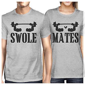 Swole kompisar rolig träning toppar par matchande tröjor grå