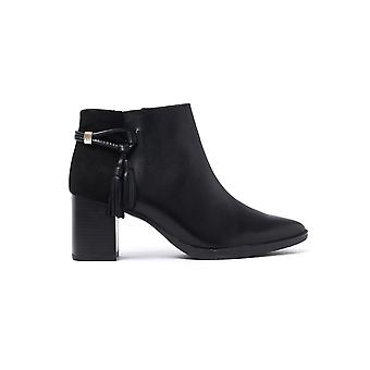Women's Heeled Ankle Boots - Black Leather