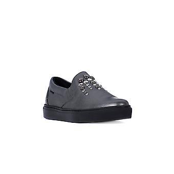 Frau joy iron shoes