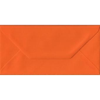 Orange gommée DL couleur Orange enveloppes. 100gsm FSC papier durable. 110 mm x 220 mm. banquier Style enveloppe.