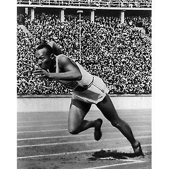 Jesse Owens Berlin OL 1936 plakat Print af McMahan fotoarkiv (8 x 10)