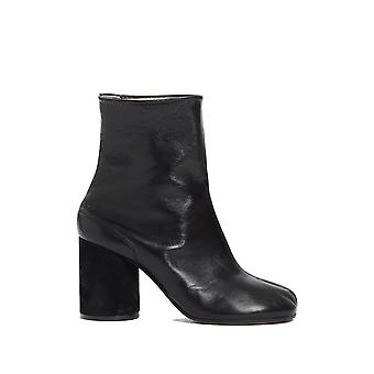 Maison Margiela women's S39WU0107SY1201900 black leather ankle boots