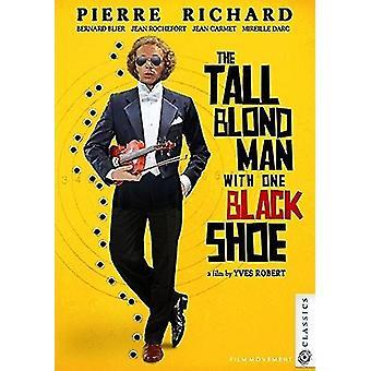 Høj Blond mand med One Black sko [DVD] USA importerer