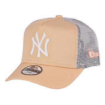 New Era 9Forty Kinder Trucker Cap - NY Yankees peach