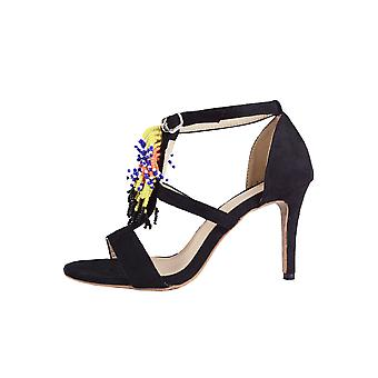 Lovemystyle Heels In Black With Beaded Tassel