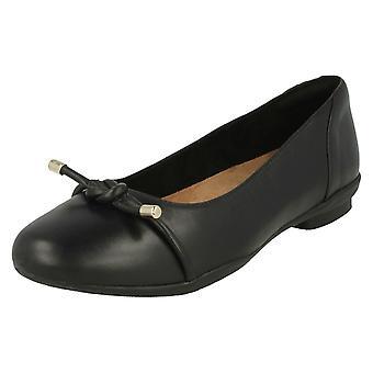 Ladies Clarks Ballerina Flats Neenah Poppy - Black Leather - UK Size 4E - EU Size 37 - US Size 6.5W