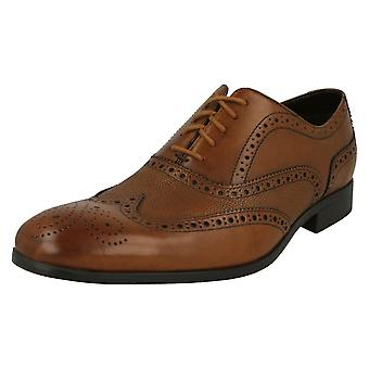 Mens Clarks Lace Up Brogue Shoes Gilmore Limit