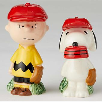 Charlie Brown y Snoopy Baseball Players Salt and Pepper Shakers Licensed