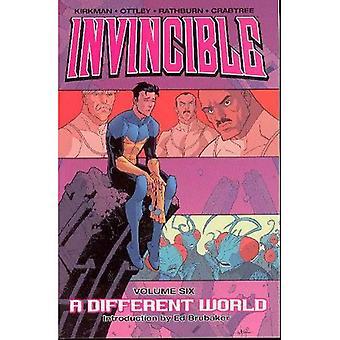 Invincible tome 6: Un autre monde: un monde différent v.6 (Invincible)