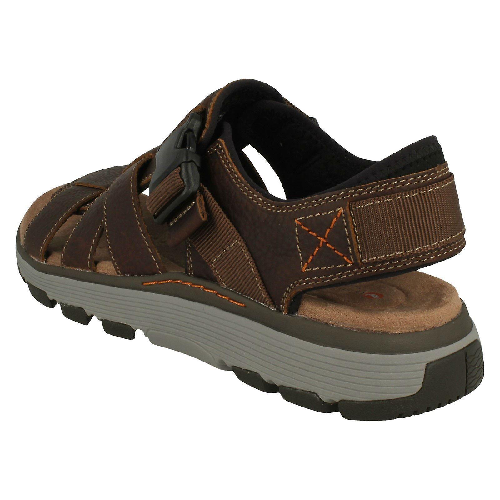 3e89cbd28360 Mens Clarks Casual Strapped Sandals Un Trek Cove - Dark Tan Leather - UK  Size 7.5