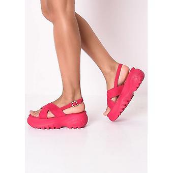 Atravessar a plataforma robusta sandálias rosa fúcsia