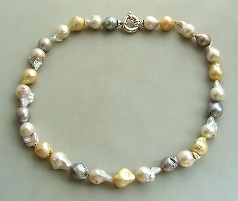 Collier avec perles d'eau douce