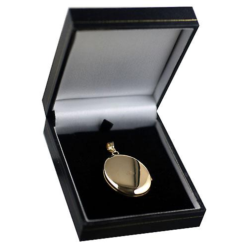9ct Gold 35x26mm oval hand engraved Locket