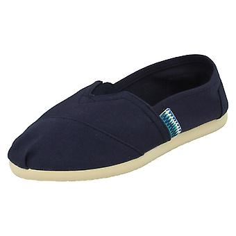 Boys Spot On Canvas Shoes