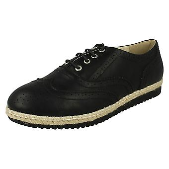 Ladies Spot On Brogue Style Shoes