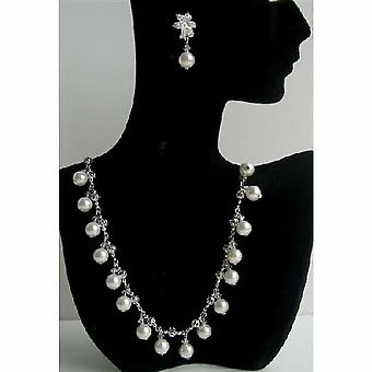 Soothing White Pearls Crystals Choker Crystals Wedding Party Jewelry