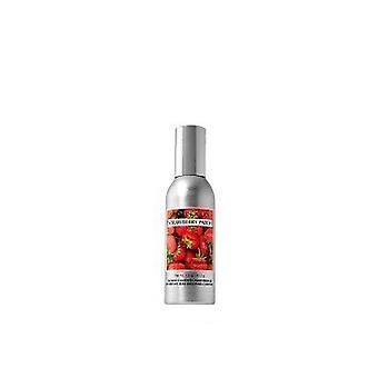 Bath & Body Works Slatkin & Co. Strawberry Patch Room Spray 1.5 oz / 42.5 g