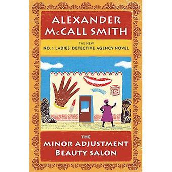 De kleine aanpassing beautysalon (nr.1 Ladies' Detective Agency)