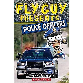 Fly Guy Presents: Polizisten (Scholastic Reader: Stufe 2)