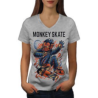 Skate Frauen GreyV-Neck T-shirt Affe   Wellcoda
