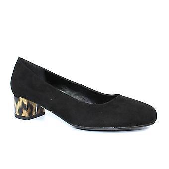 Lunar Deja Low Block Heel