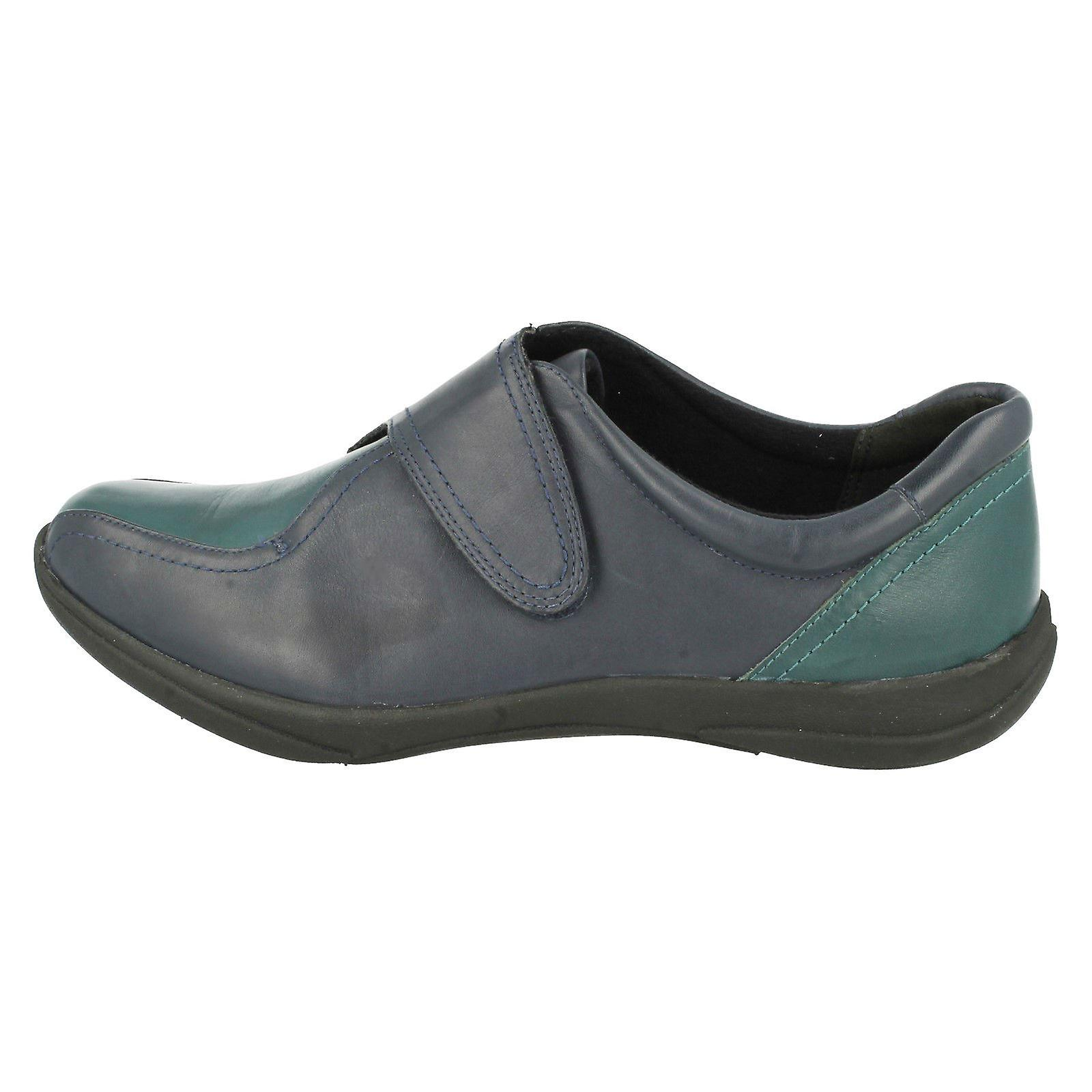 By Etna Oak Ladies Strap Shoes Clarks K's Fastening ZAqHA8