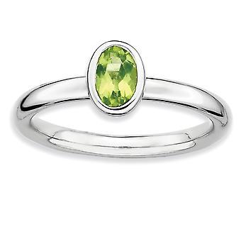 Sterling Silber Lünette poliert rhodiniert stapelbar Ausdrücke ovalen Peridot Ring - Ring-Größe: 5 bis 10