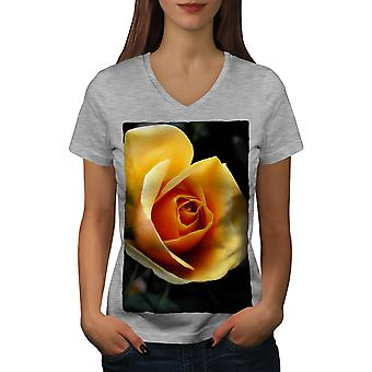 Yellow Rose Photo Women GreyV-Neck T-shirt | Wellcoda