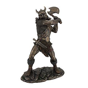 Guerrero vikingo de balanceo y hacha de bronce estatua de acabado